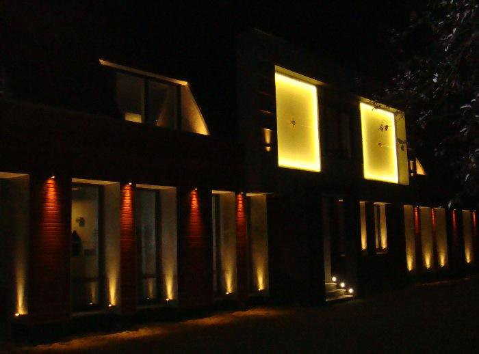 https://alc-projectverlichting.nl/sites/alc-projectverlichting.nl/files/styles/colorbox/public/l-verlichting-voorgevel-26-07-2011-4-6895015.jpg?itok=3n7x9KNu
